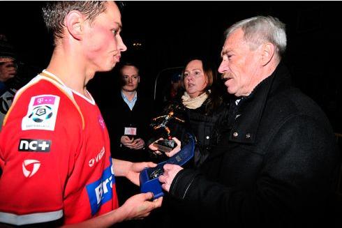 Jakub Bartkowski z nagrodą Joanny Skrzydlewskiej